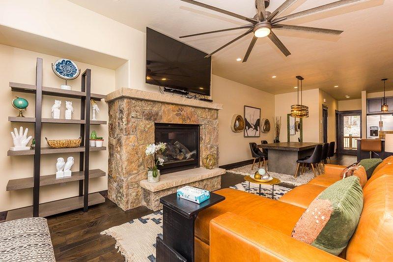 Ceiling Fan,Indoors,Living Room,Room,Furniture