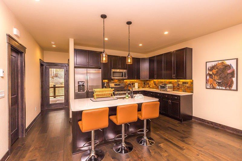Flooring,Hardwood,Indoors,Room,Furniture