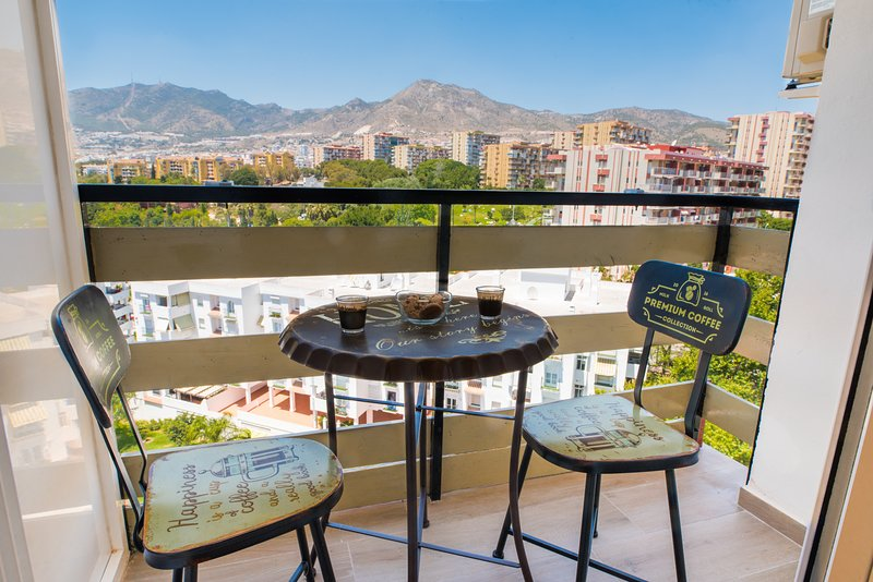 Benalmadena Top Floor Studio, vacation rental in Arroyo de la Miel