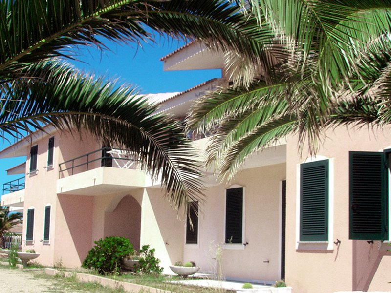 Modern Apartment in Valledoria with Swimming Pool, holiday rental in La Ciaccia