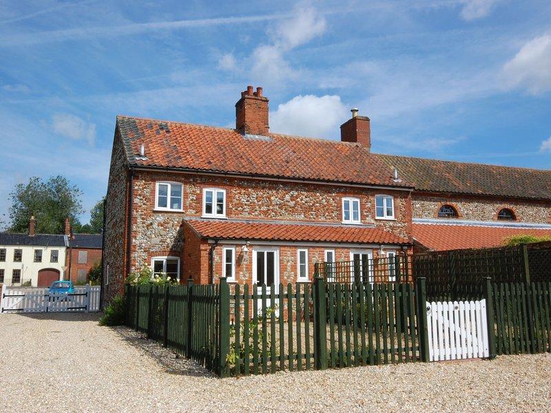 Tasteful holiday home in East Rudham with Garden, vacation rental in East Rudham