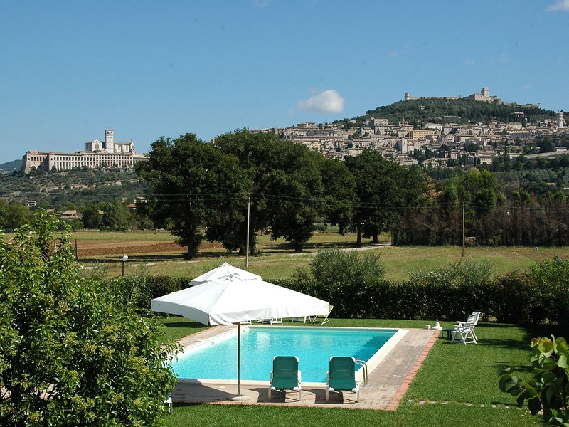 Blissful Holiday Home 5km away from Assisi with Shared Pool, casa vacanza a Santa Maria degli Angeli