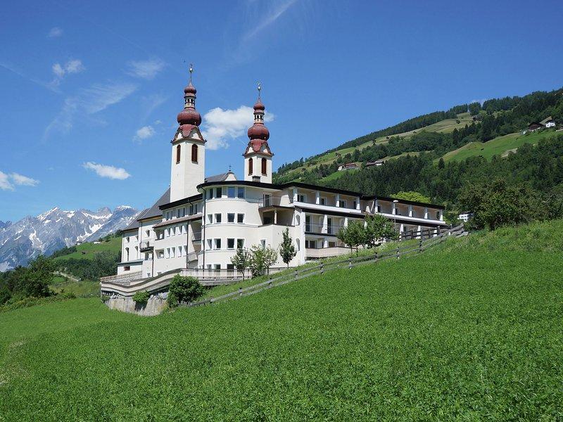 Comfortable Apartment near Ski Area in Fließ – semesterbostad i Landeck