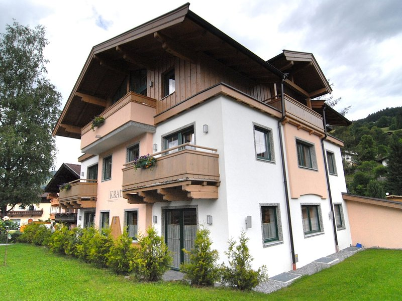 Welcoming Apartment near a Ski Area in Tyrol, holiday rental in Brixen im Thale