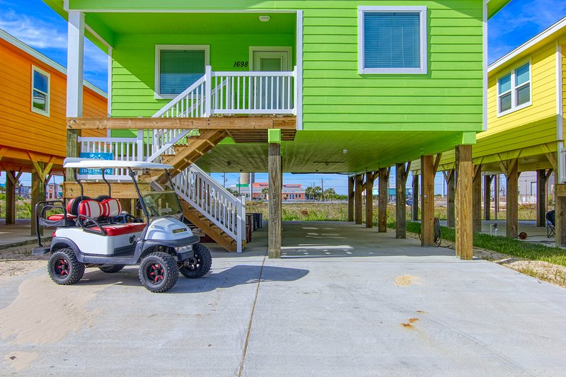Porch,Transportation,Patio,Urban,Neighborhood