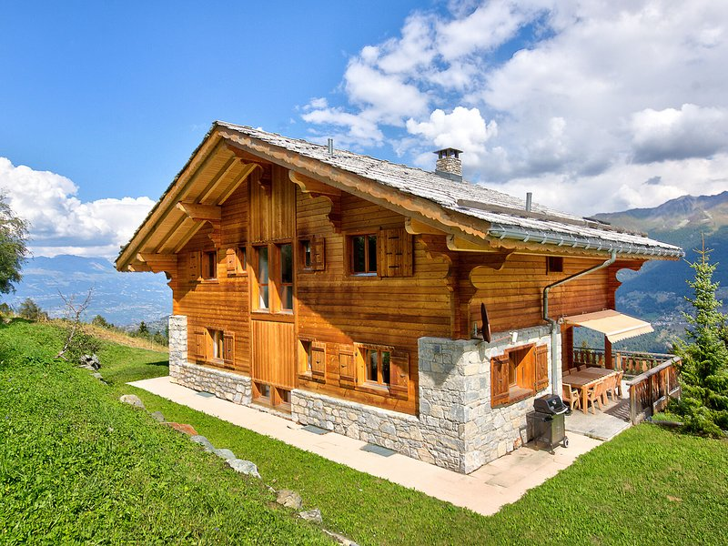 Superb Chalet in Les Collons With Sauna, location de vacances à Heremence