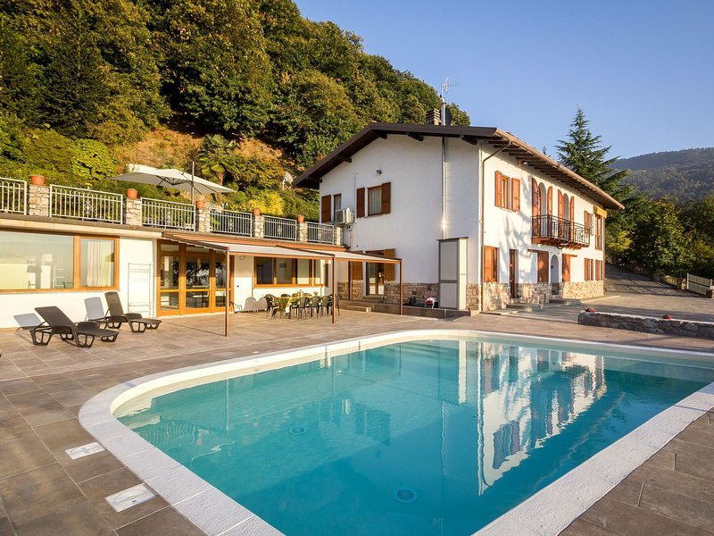 Gorgeous Mansion in Pisogne With Private Swimming Pool, vacation rental in Montecampione