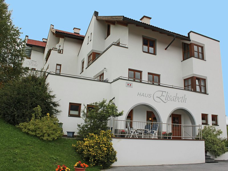 Vibrant Apartment near a Ski Area in Fiss, alquiler de vacaciones en Serfaus