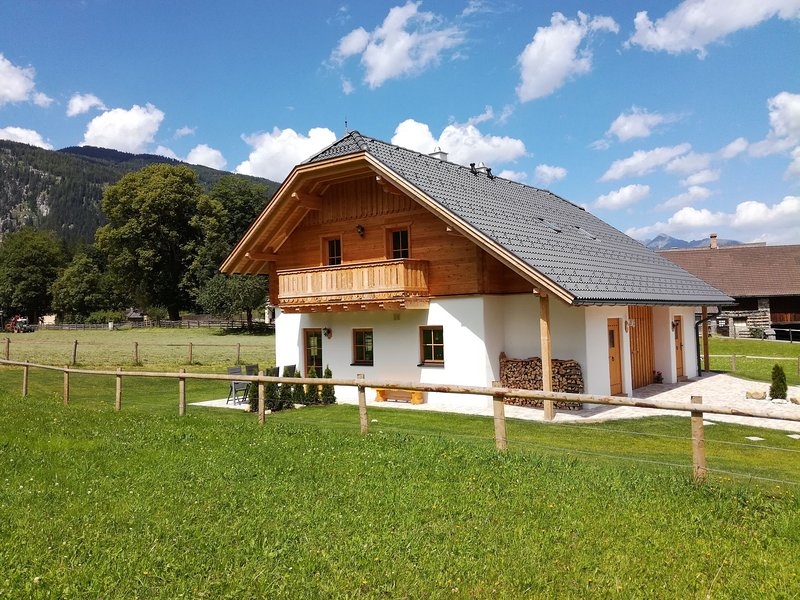 Quaint Chalet in Salzburg near Ski Area, vacation rental in Mauterndorf