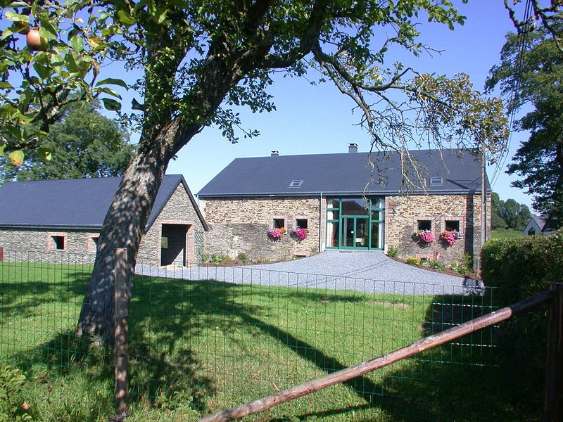 Lovely Holiday Home In Houffalize near Forest, holiday rental in Bertogne