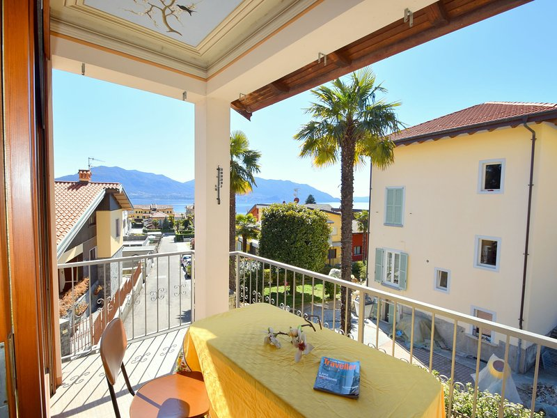 Village Apartment in Cannero Riviera hinterland with views, vacation rental in Cannero Riviera