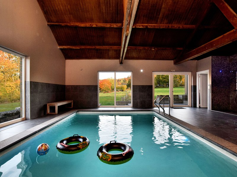 Modern Villa with Swimming Pool in Durbuy Ardennes, location de vacances à Villers-Sainte-Gertrude