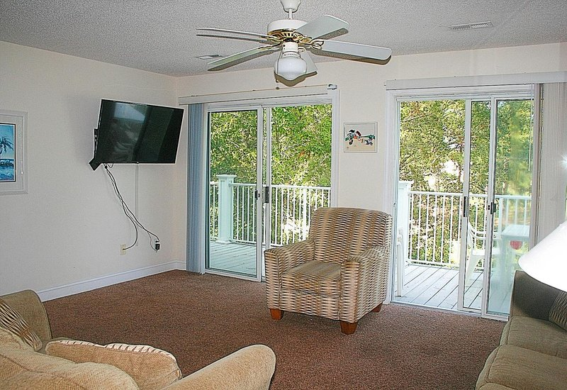 Ventilador de techo, pantalla, muebles, sala, sala de estar