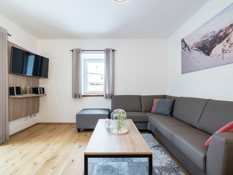 Modern Holiday Home with Terrace near Ski Area in Salzburg, holiday rental in Rennweg