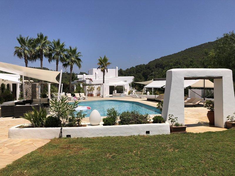 Cozy Farmhouse in Sant Miquel de Balansa with Private Pool, alquiler vacacional en San Lorenzo