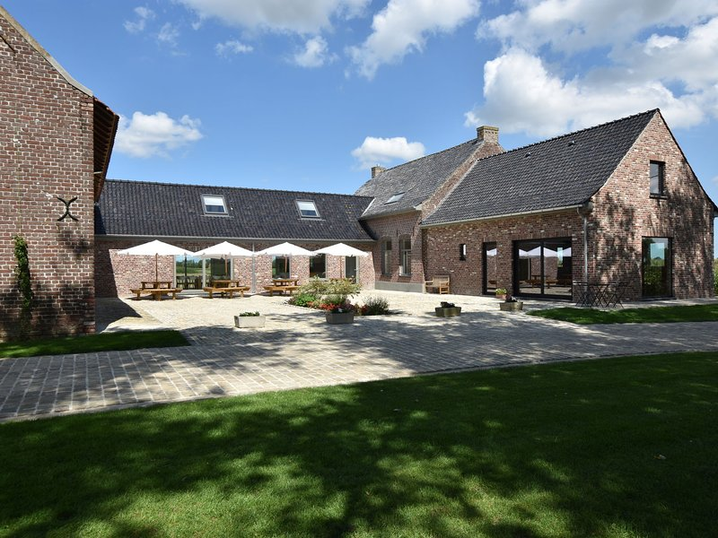 Spacious Holiday Home with Pond in Poperinge, vacation rental in Watou