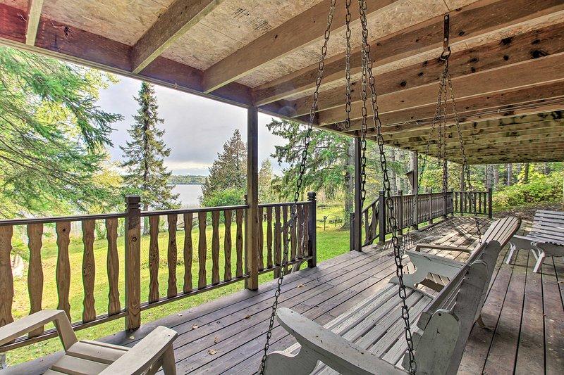 Private Orr Home w/ Fire Pit & Dock on Ash Lake!, location de vacances à Orr