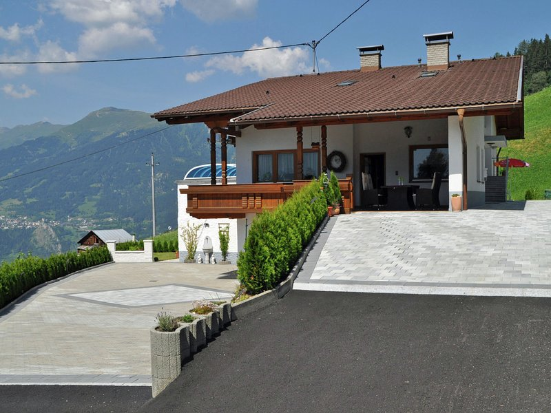 Exquisite Apartment inKaunerberg Tyrol in the Mountains, holiday rental in Wiese