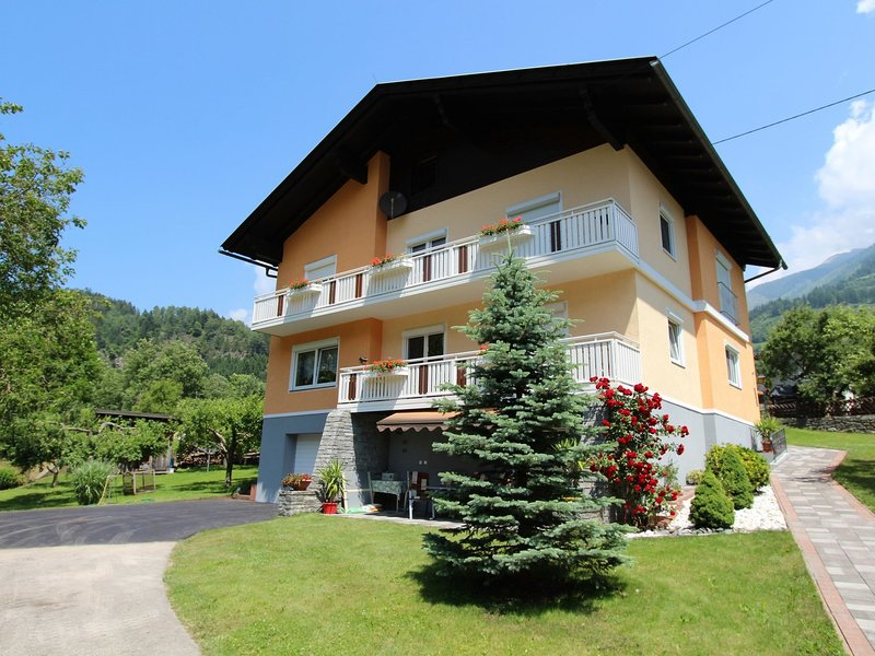 Modern Apartment in Kolbnitz with Terrace, location de vacances à Kolbnitz
