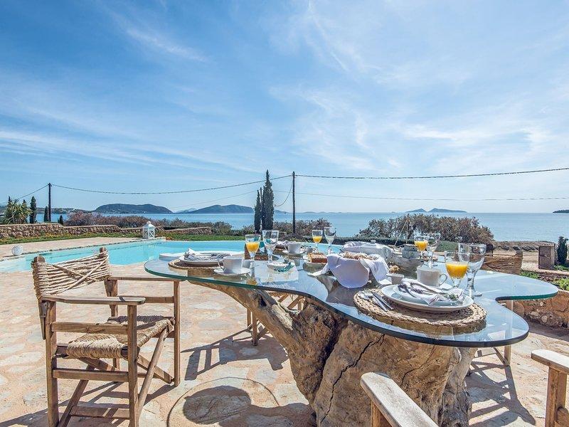 Beautiful Pet-friendly Villa near Sea in Peolponnese, holiday rental in Aghios Emilianos