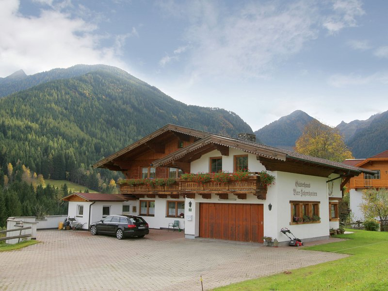 Comfortable Apartment with Sauna in Schladming, location de vacances à Rohrmoos-Untertal
