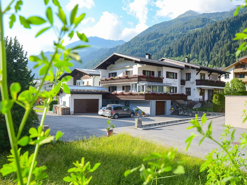 Lovely Apartment in Gortipohl with Sunlit Balcony, location de vacances à Gortipohl