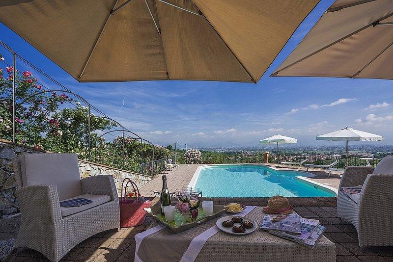 Cantagrillo-Casalguidi Villa Sleeps 8 with Pool and Air Con - 5816153, holiday rental in Casalguidi