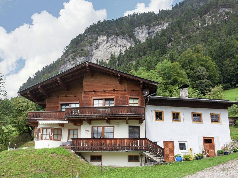 Tasteful Apartment in Schwoich Tyrol with Garden, holiday rental in Langkampfen