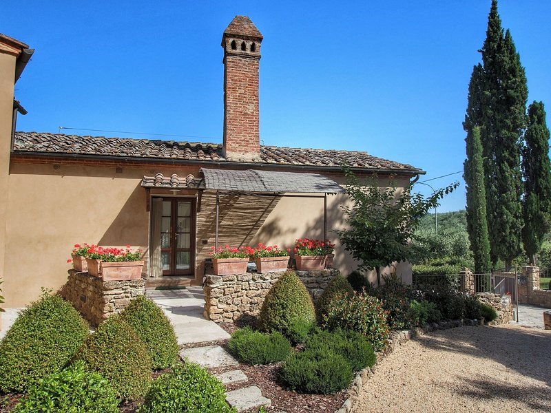 an authentic water mill with elegant apartments., vacation rental in Armaiolo
