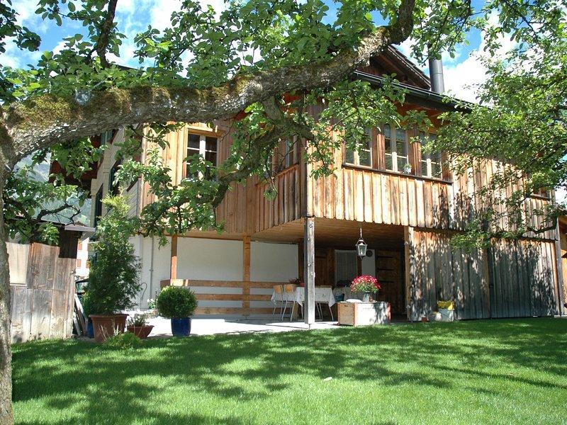 Spacious Apartment in Frutigen with Garden, vacation rental in Achsete