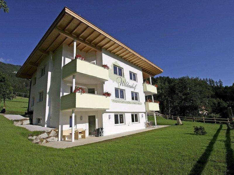 Luxurious Apartment in Fügen with Sauna, aluguéis de temporada em Fugen