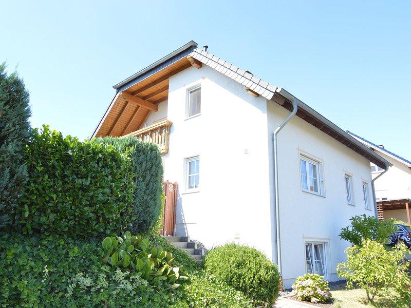 Cozy Apartment with Fenced Garden in Faid, location de vacances à Bremm