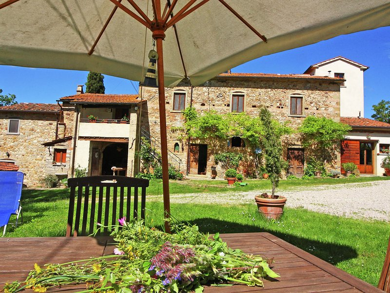 Luxurious Holiday Home in Anghiari Tuscany near Town Center, holiday rental in Citerna