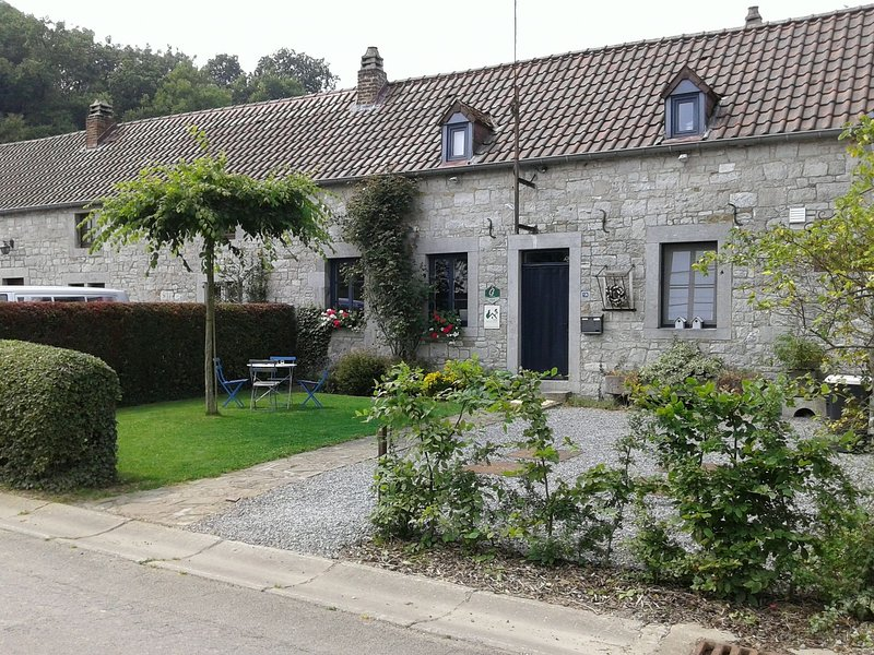 Traditional Cottage in Ardennes with private terrace, vacation rental in Clavier