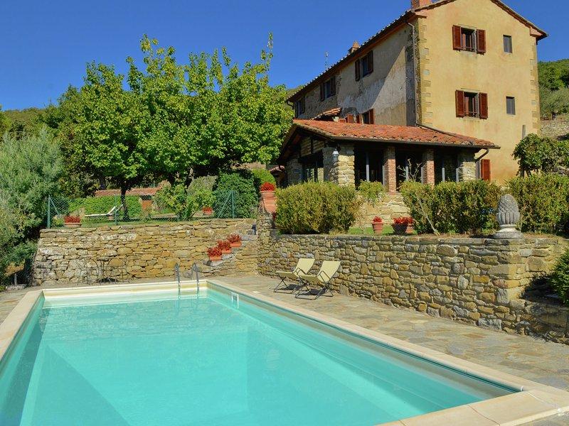 Lovely Villa in Cortona with Swimming Pool, location de vacances à Pergo