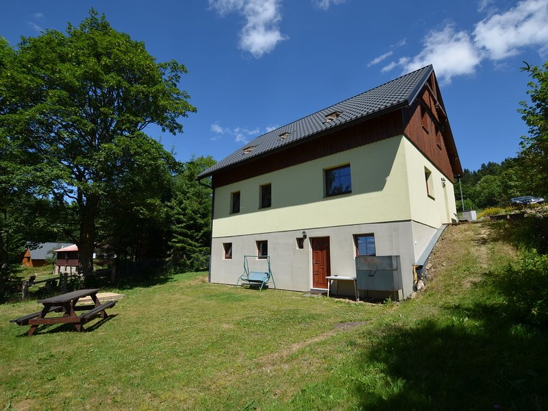 Detached, spacious holiday home with fireplace and sauna, vacation rental in Przecznica