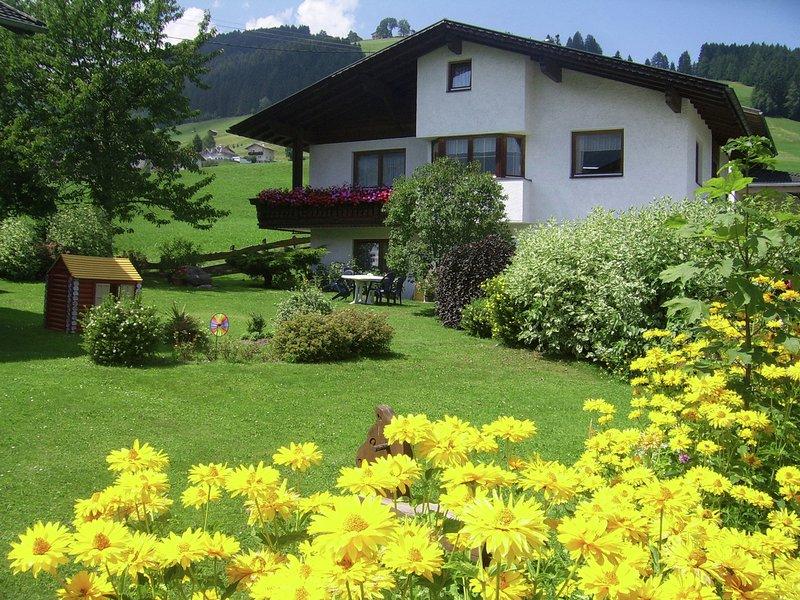 Cozy Apartment in Oberperfuss near Ski Area, location de vacances à Igls