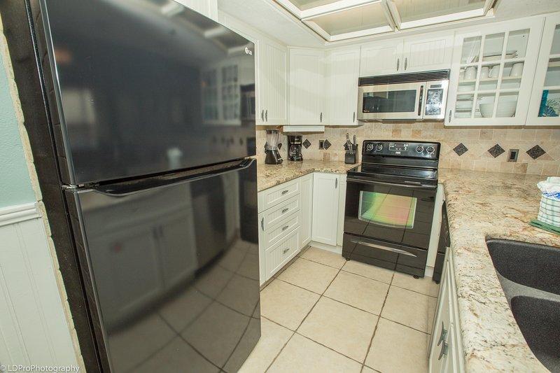 Oven,Room,Indoors,Kitchen,Flooring