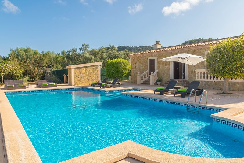 VILLA ARHU - Villa for 8 people in Capdepera, vacation rental in Cala Mesquida