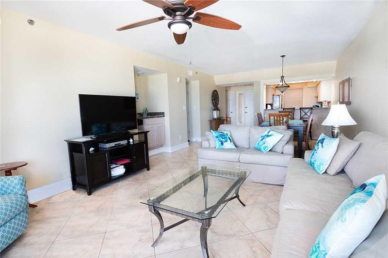 Ceiling Fan,Furniture,Table,Coffee Table,Rug