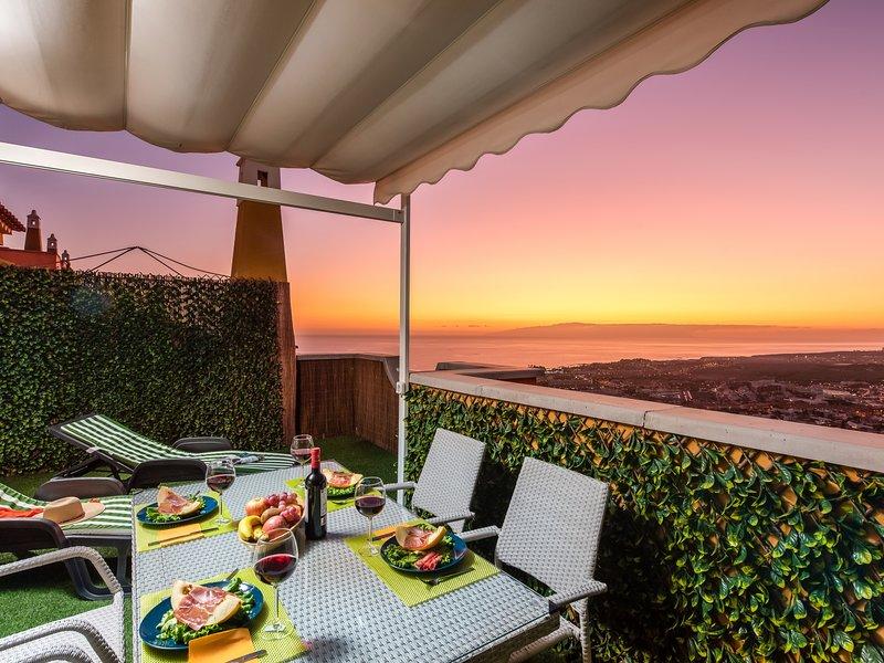 22 Casablanca Amazing Sunset View, holiday rental in La Caldera