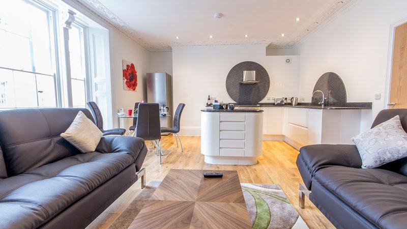 Captain's Quarters by Pureserviced, holiday rental in Torpoint
