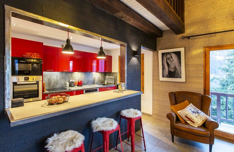 Spacious apartment for 9 La Clusaz, 200m to slope, vacation rental in La Clusaz