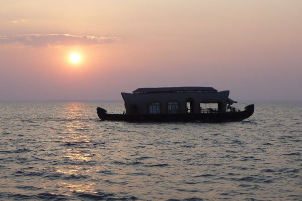 Cruise land Kerala House Boats, holiday rental in Alappuzha