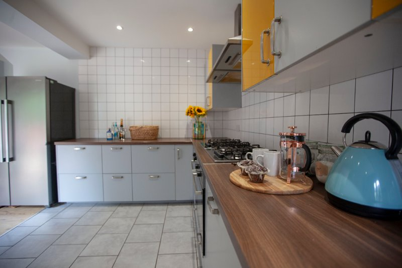 Cool open plan house close to City Centre, vacation rental in Stockport