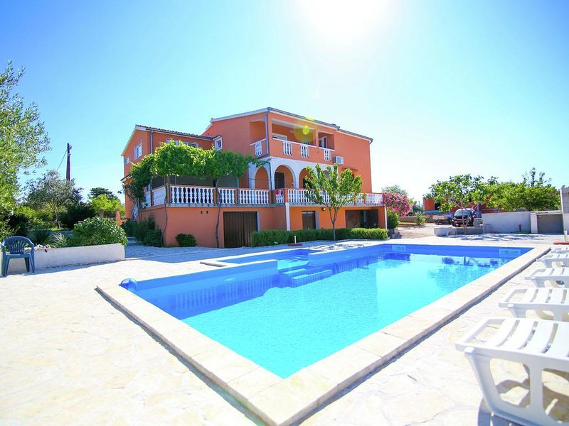Villa Matea with two apartments and POOL!!, vacation rental in Policnik
