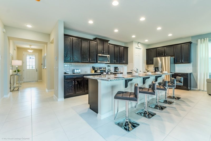 Indoors,Room,Furniture,Kitchen,Microwave