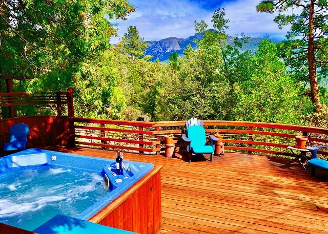 'Moonlight Mountain Retreat' Woodworker's Masterpiece with Spa and Game Room, alquiler de vacaciones en Pine Cove