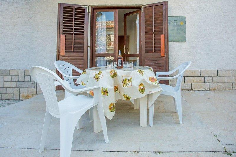 Woondecoratie, stoel, meubels, tafel, eettafel