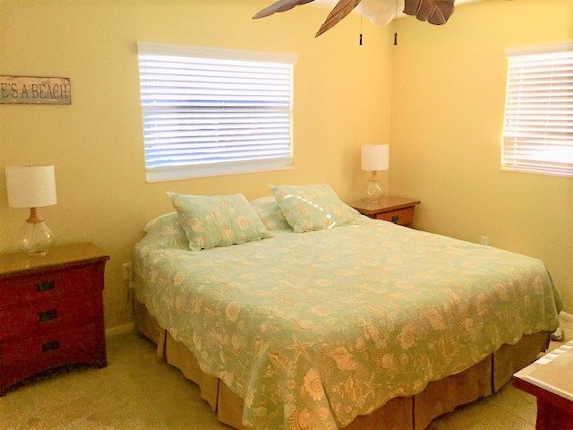 Furniture,Bed,Ceiling Fan,Home Decor,Light Fixture